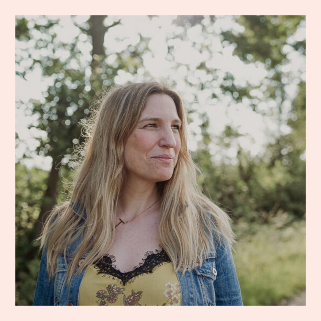 Juli Scharnowski zu Gast im Mamsterrad Podcast: Wie es ist zu erfahren, dass man unerwartet Zwillinge bekommt